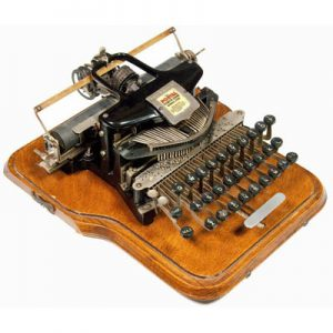 Photograph of the Postal 5 typewriter.