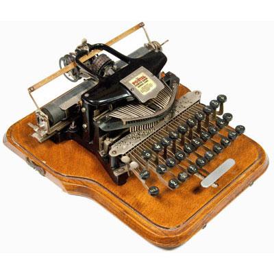 Photograph of the Postal 5 typewriter.