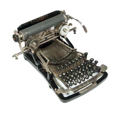 Photograph of the Daugherty typewriter.