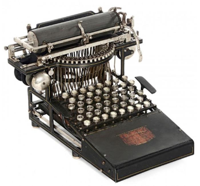 Caligraph 1 typewriter