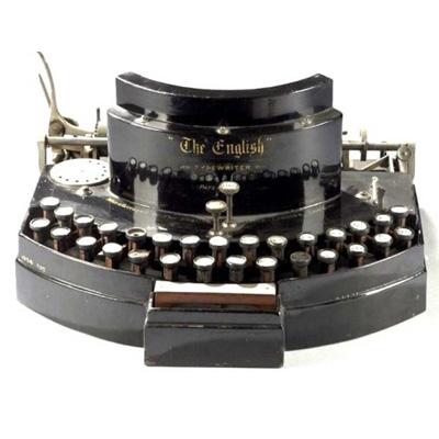 Photograph of the English typewriter.