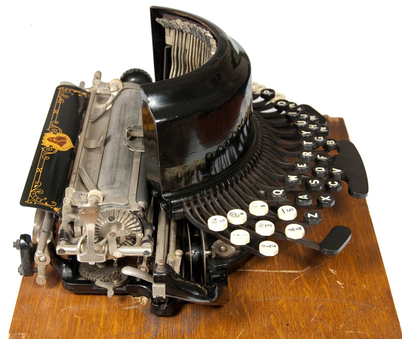 Photograph of the Franklin 10 typewriter showing the left hand side.