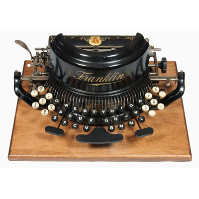 Photograph of the Franklin 9 typewriter.
