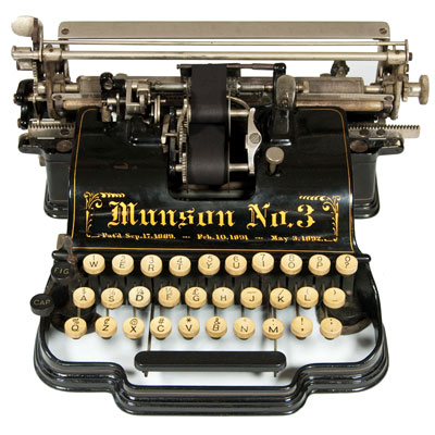 Photograph of the Munson 3 typewriter.
