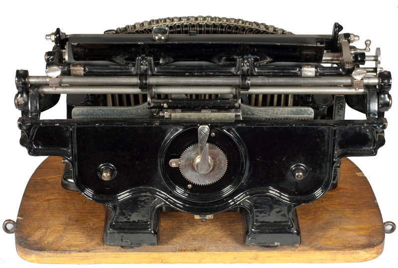 Photograph of the National 2 typewriter seen from the back.