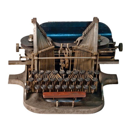 Photograph of the Oliver 1 Typewriter.