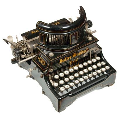 Photograph of the Salter 10 typewriter.