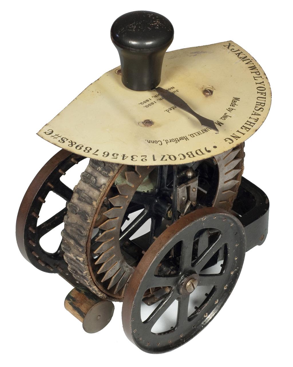 Photograph of the Dart 1 typewriter.