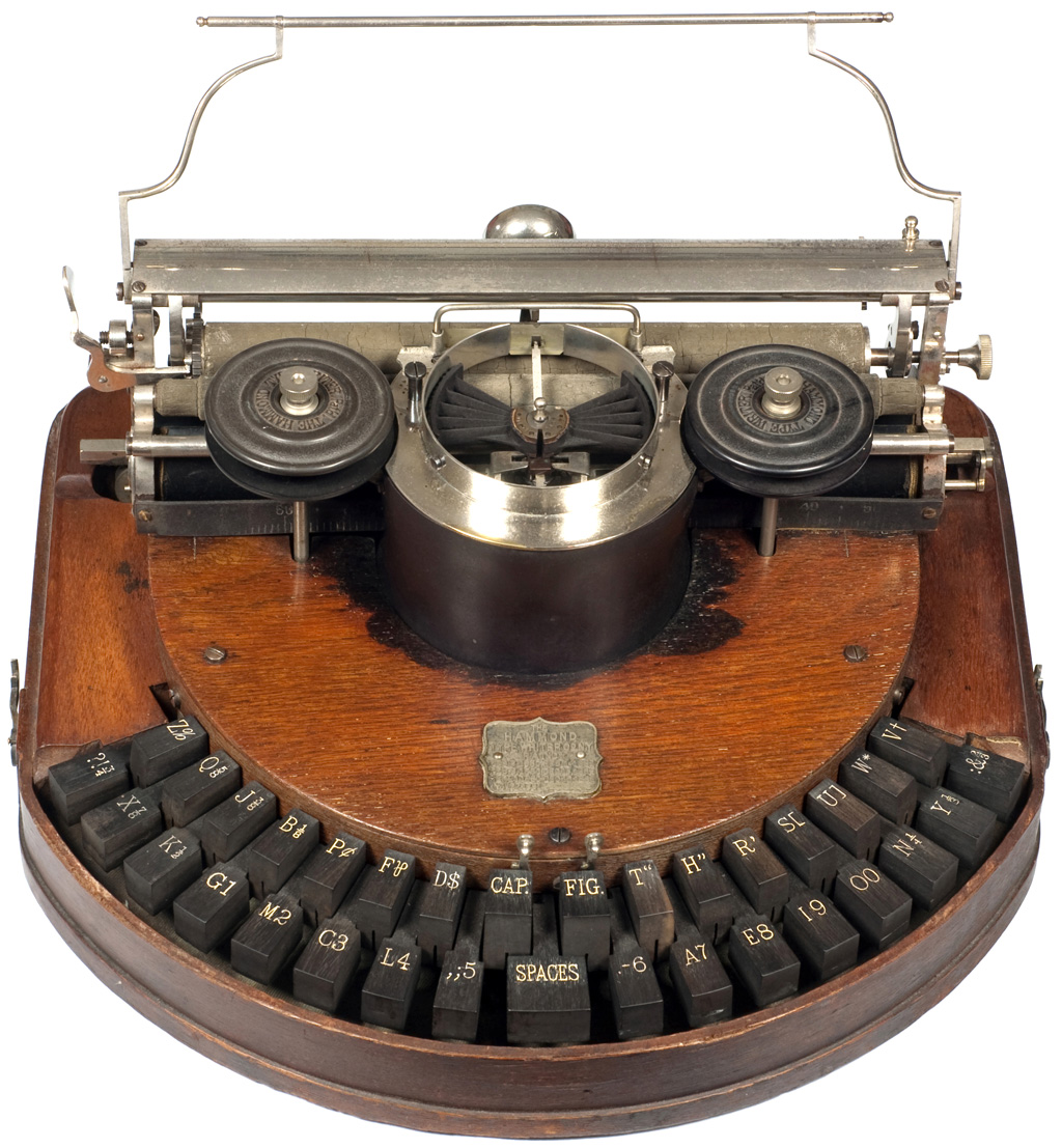 Photograph of the Hammond 1 typewriter.