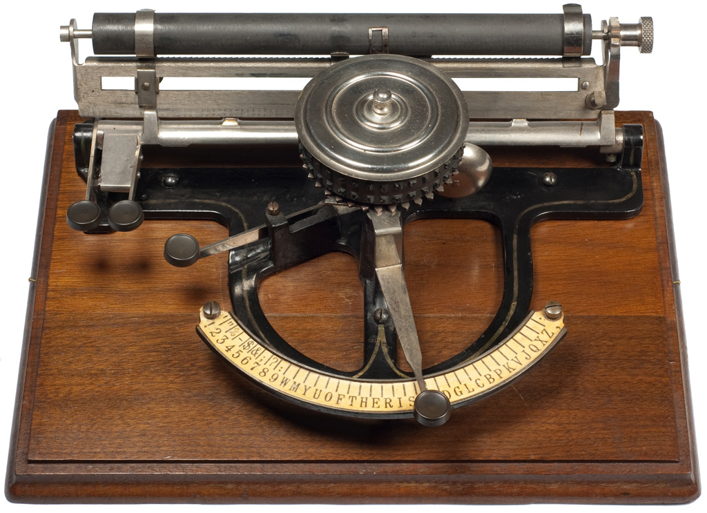 Photograph of the Peoples typewriter.
