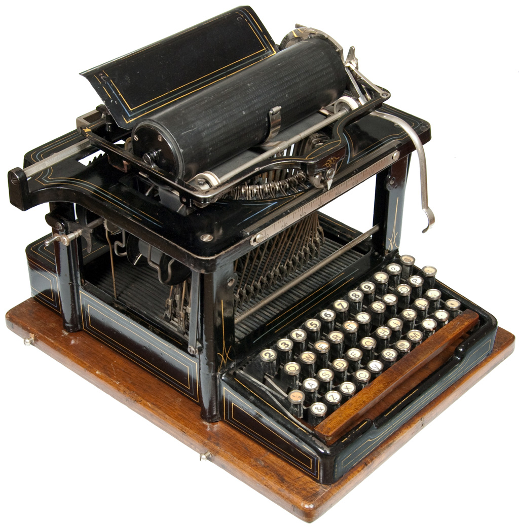 Photograph of the Remington 4 Perfected typewriter.