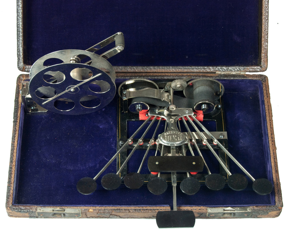 Photograph of the Stenograph 1 cased.