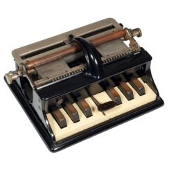 Photograph of the Hall 1 Braille-writer.